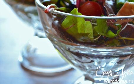 Рецепт Летний зеленый салат с томатами и моцареллой