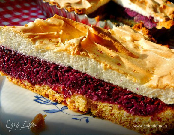 Чернично-творожный пирог с белковым суфле