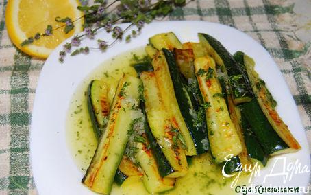 Рецепт Салат из кабачков под чесночно-мятным соусом