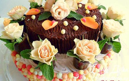 Рецепт Торт шоколадно-сливочный со съедобными розочками