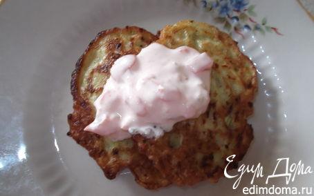 Рецепт Оладьи из кабачков в сметанном соусе