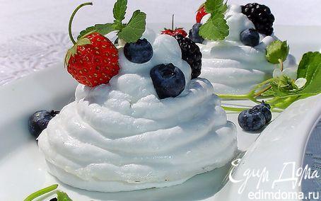 Рецепт Меренги под сливочно-ягодной шапочкой