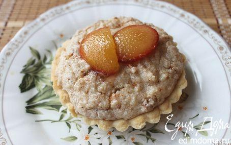Рецепт Тартинки из песочного теста с миндально-рисовым пудингом и сливой