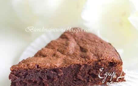 """Рецепт Быстрый шоколадно-миндальный пирог """"Шоколадное наслаждение"""""""