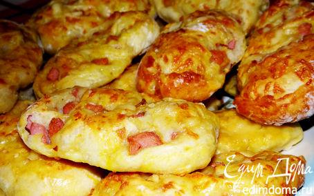 Рецепт Пресные витые плюшки с сосисками и сыром от Мирьяма Байле