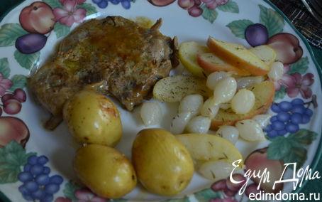 Рецепт Cвиные отбивные с яблоками и луком