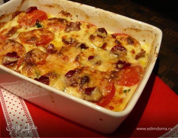 Гратeн из цукини, помидоров, моцареллы и бекона
