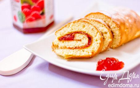 Рецепт Швейцарский рулет с малиновым джемом