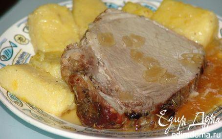 Рецепт Свиная лопатка в виноградно-луковом соусе