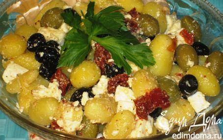Рецепт Картофельный салат с оливками, вялеными помидорами и фетой