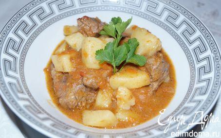 Рецепт Томленая телятина с картофелем (Spezzatino di vitello con patate)