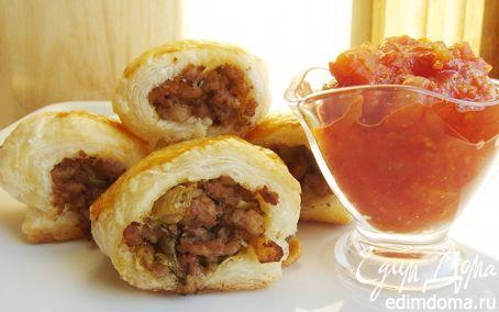 Рецепт Колбаски в тесте с томатным чатни
