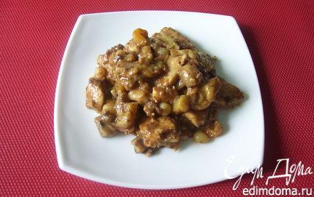 Рецепт Тушеное куриное филе с грибами и сухофруктами