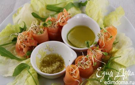 Рецепт Буше из копченого лосося с проростками и двумя соусами