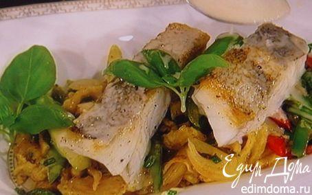 Рецепт Жареный судак на подушке из овощей под соусом из белого вина