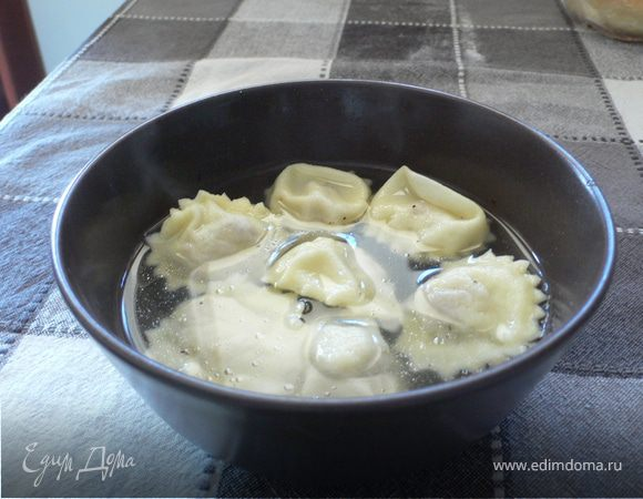 Анолини в бульоне по-пьячентски (Anolini in brodo alla piacentina)