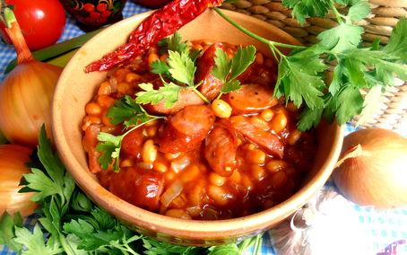 Рецепт Быстрое рагу с колбасками и фасолью