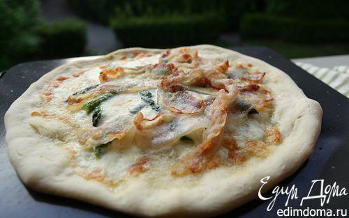 Рецепт Пицца со спаржей, сыром таледжо и спеком