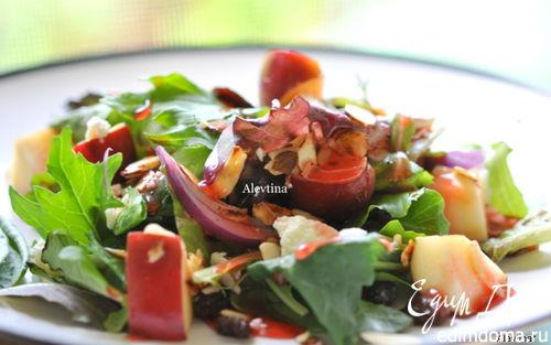 Рецепт Салат с яблоком и миндалем