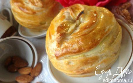 Рецепт Яблоки с орехово-медовой начинкой, запеченные в слоеном тесте