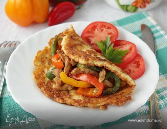 Курица стир-фрай на творожно-сырном блинчике