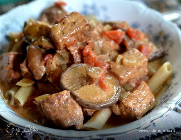 Свинина с паприкой и грибами шиитаке