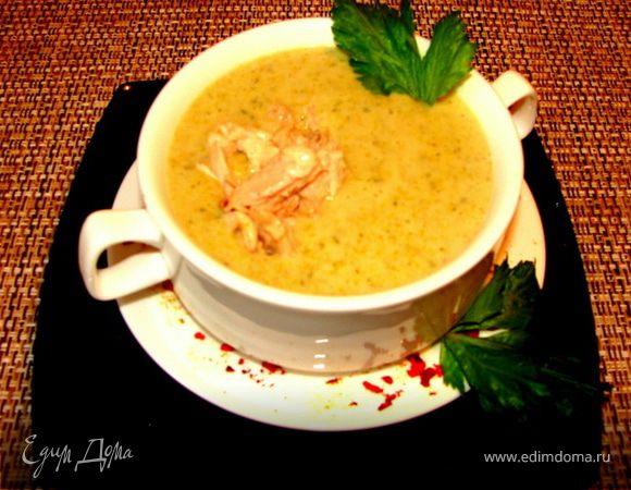Суп-пюре из брокколи с курицей и сыром