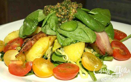 Рецепт Теплый салат из цукини, картофеля, копченой грудинки и шпината