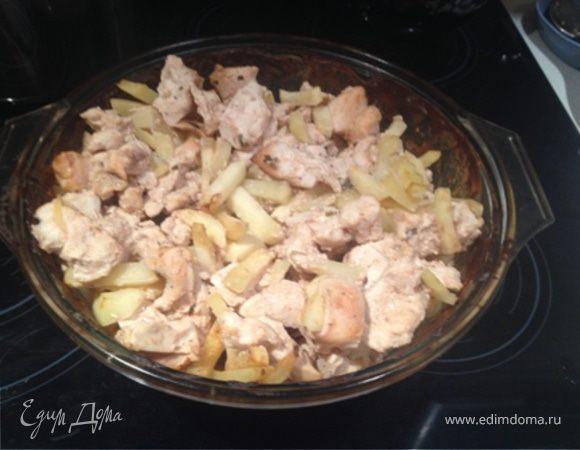 Куриные грудки в сметане с картофелем