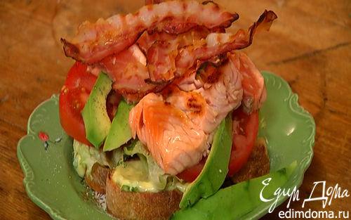 Рецепт Бутерброд с семгой, авокадо и беконом