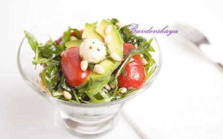 Рецепт Салат с авокадо и моцареллой