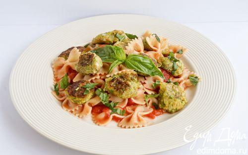 Рецепт Фарфалле с цукини в томатном соусе