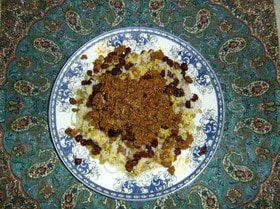 """Рис с зеленой чечевицей, изюмом и поджаренным фаршем (""""Адас поло ба гушт"""")"""