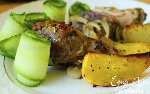 Рецепт Свинина в нежном лимонном маринаде с картофельным дольками в итальянском стиле