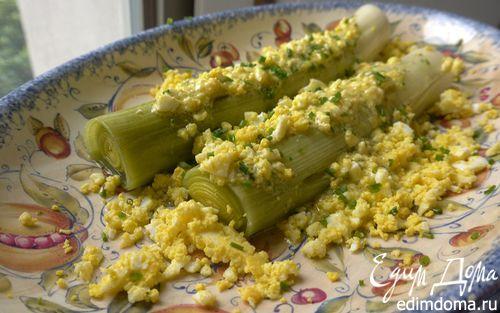 Рецепт Запеченный порей с яйцами и шнитт-луком