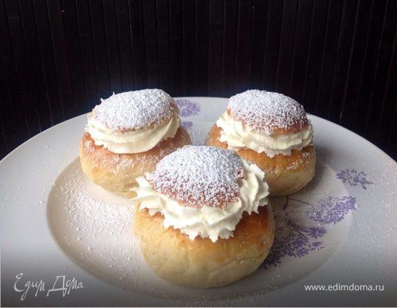 Семла - шведская булочка