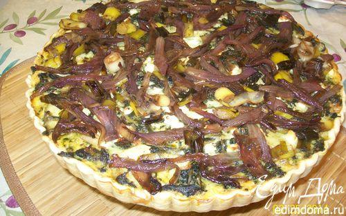 Рецепт Киш со сладким картофелем, капустой кале и грибами Порсини под карамелизованным луком