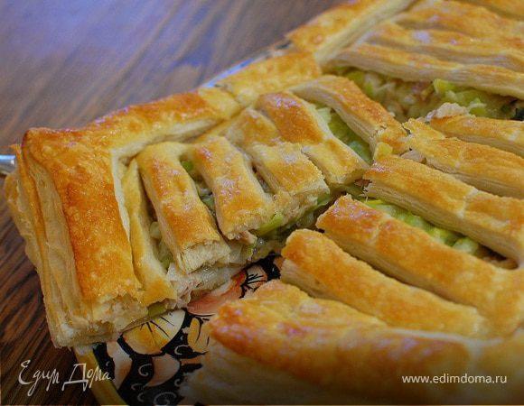 Быстрый пирог с курицей и луком-пореем