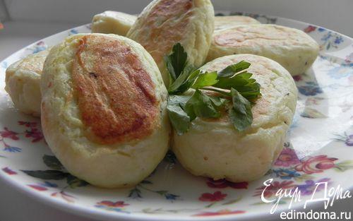 Рецепт Картофельно-творожные пирожки с зеленью и яйцом