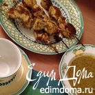 Куриные шашлычки с яичной лапшой (Chicken satay)