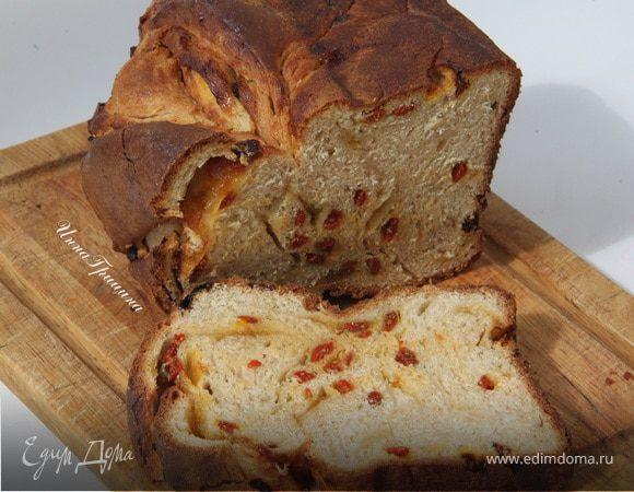 Плетеный хлеб с ягодами годжи