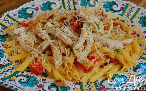 Рецепт Теплый салат с курицей, макаронами и сладким перцем