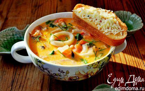 Рецепт Сливочный суп с морепродуктами, томатами и пармезановыми гренками