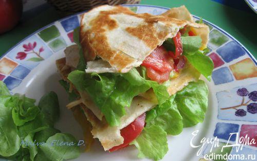 Рецепт Тортилья с курицей, помидорами и сыром