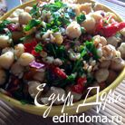Каталонский салат с нутом, перцем и пикадой
