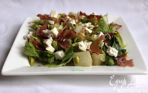Рецепт Салат с дыней, фетой, хрустящим беконом и фисташками