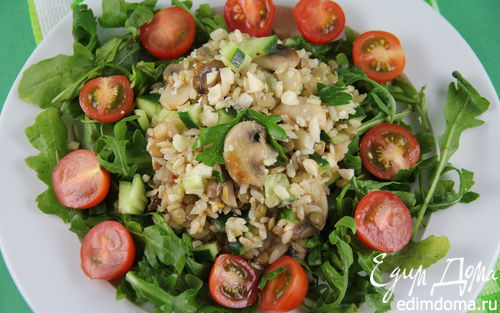 Рецепт Салат из коричневого риса с шампиньонами и чечевицей