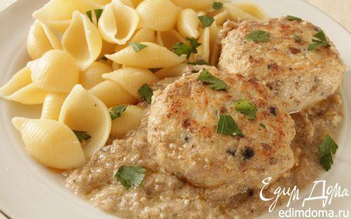 Рецепт Куриные тефтели в пикантном грибном соусе