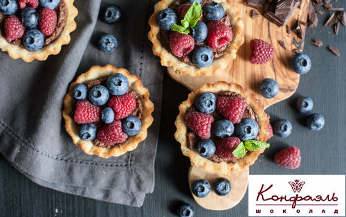 Рецепт Тарталетки с шоколадным кремом и ягодами