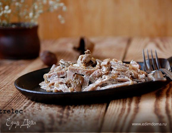 Гречневая паста с печенью и карамелизованным луком